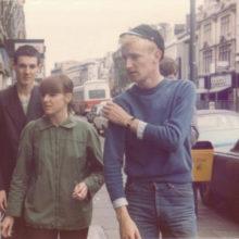 ミニマル・ポップの金字塔 Young Marble Giants、アルバム『Colossal Youth』の40周年記念エディションを 11/27 に再発!