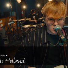 UKのニューカマー The Lathums が Island Records と契約、新作EP『Ghost』を 10/30 リリース!