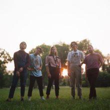 ミネアポリスのインディーポップ・バンド Early Eyes、新作EP『SUNBATHING』をリリース!