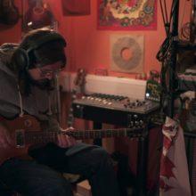 Bibio、バリトンギターのアンビエント・セッション映像を公開!