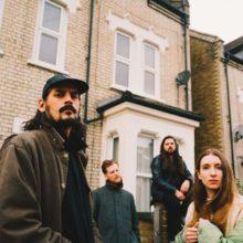 サウス・ロンドンのポストパンク・バンド Dry Cleaning、新曲「Scratchcard Lanyard」をリリース!