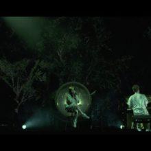 Billie Eilish、スティーブジョブズ・シアターで行われた「everything i wanted」のライブ映像を公開!