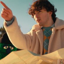 UKの天才少年 Alfie Templeman、ミニアルバム『Forever Isn't Long Enough』を 5/7 リリース!