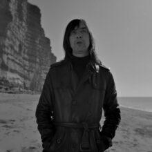 ボビー・ギレスピーが Jehnny Beth とのコラボ・アルバム『Utopian Ashes』を 7/2 リリース!
