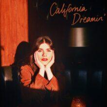 Hazel English、ママス&パパス「California Dreamin'」のカバー・シングルをリリース!