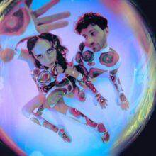 LAのエレクトロポップ・デュオ Magdalena Bay、デビューアルバム『Mercurial World』を 10/8 リリース!